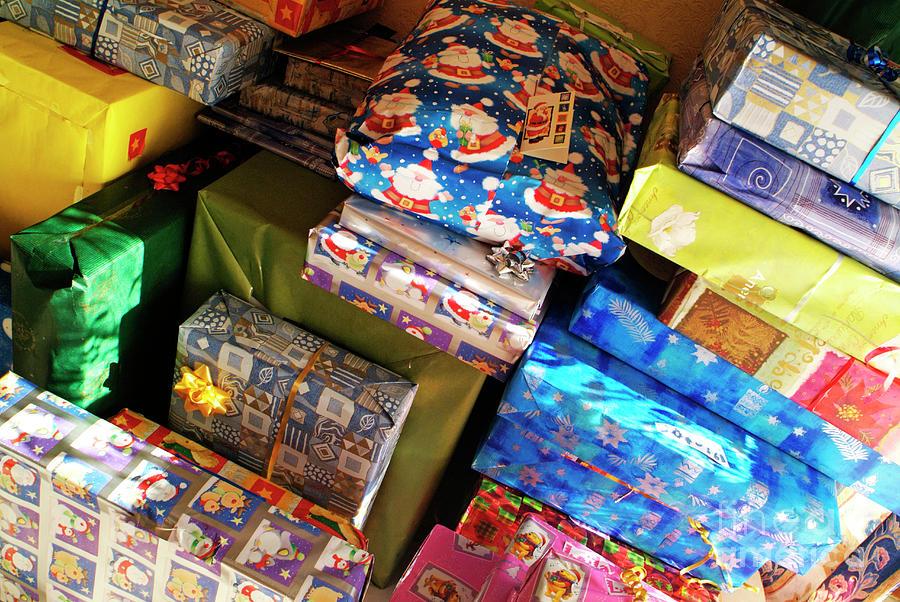 1-pile-of-christmas-presents-sami-sarkis